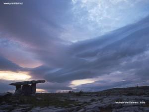 Poulnabrone dolmen v Irsku