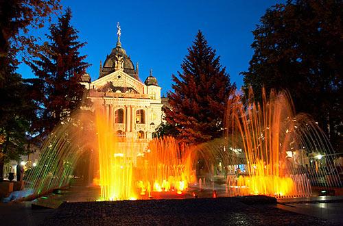 Košice - večer před divadlem